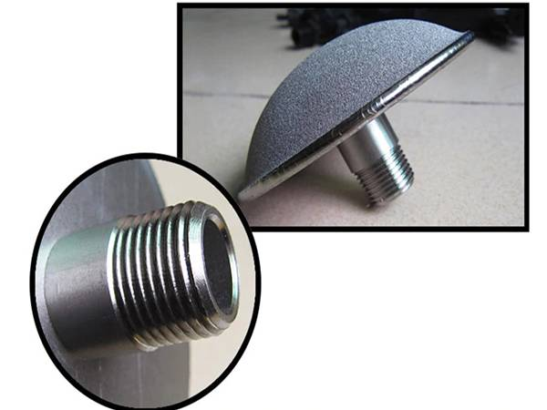 A detailed picture about the mushroom head sintered titanium powder aerator.