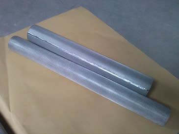 Two different length stainless steel cylinder filter element tubes