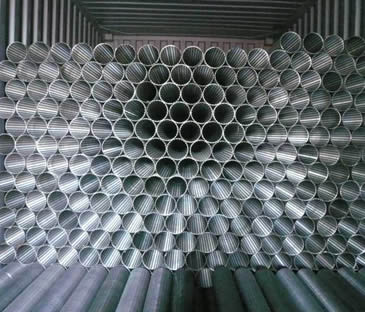 Many wedge wire filter elements bulks in container